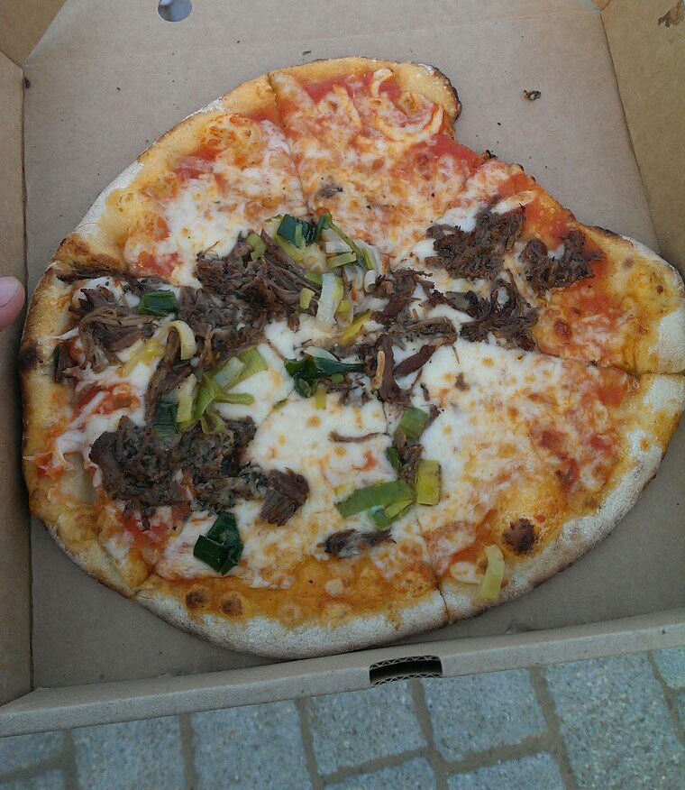fired-up-feasts-lamb-and-leek-pizza