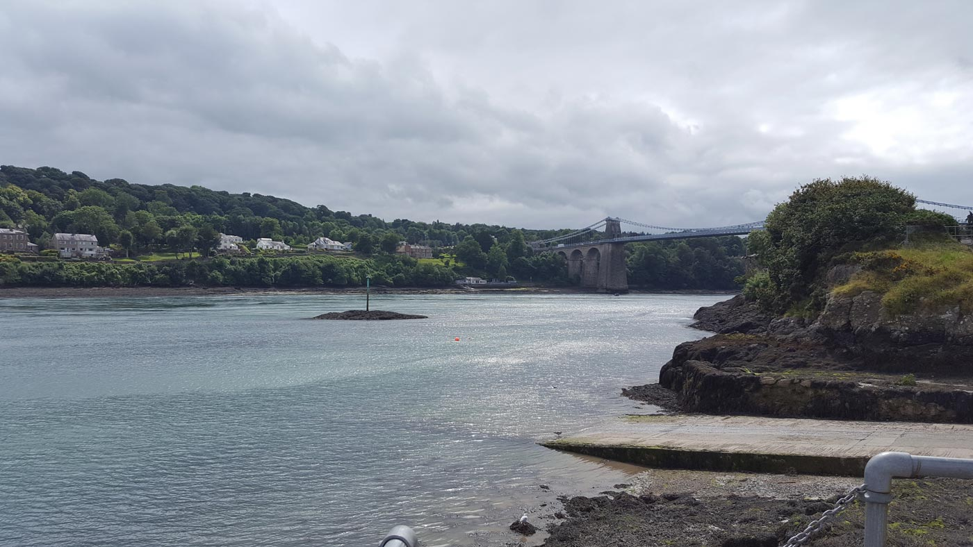menai-bridge-anglesey-opposite-dylans-restaurant
