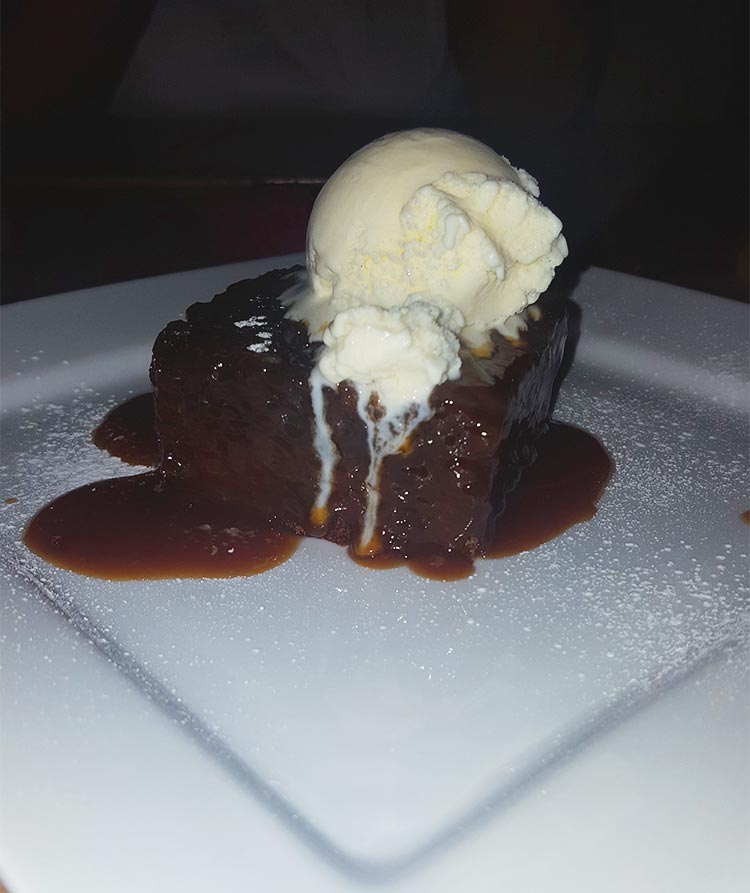 the-lobster-pot-Anglesey-sticky-toffee-pudding-review