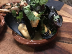 garlic-and-cream-muscles
