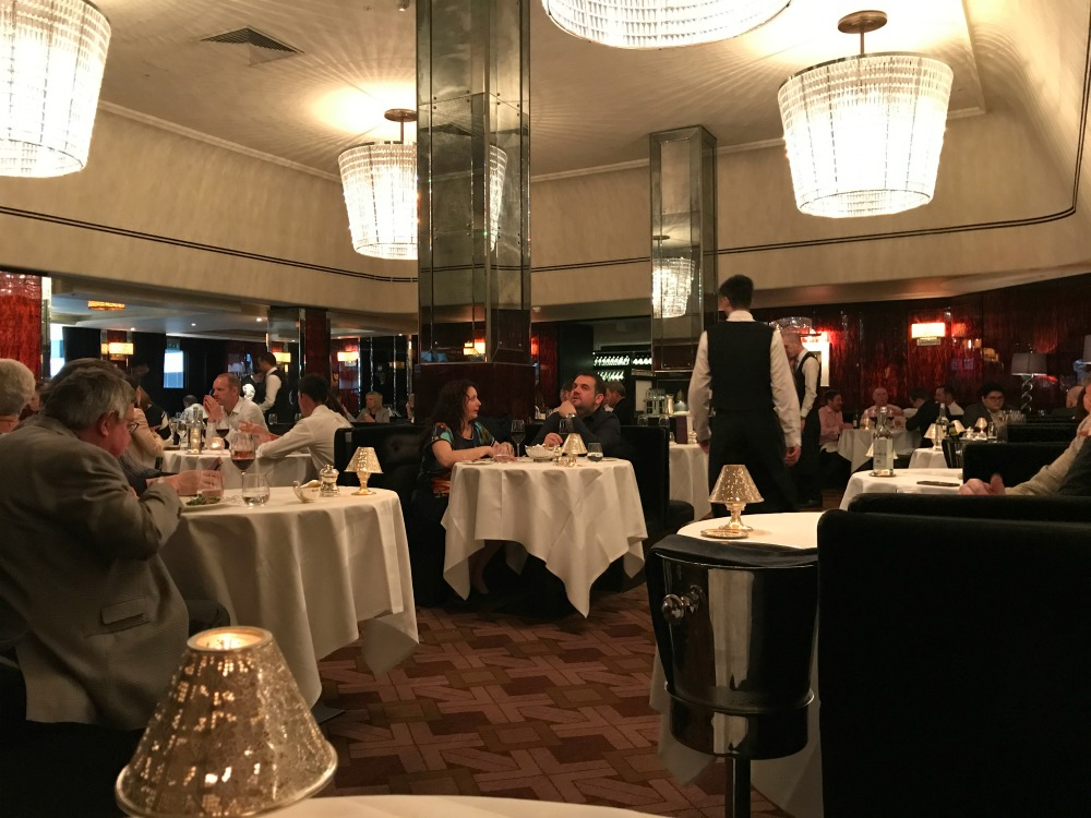 Savoy Grill Restaurant decor