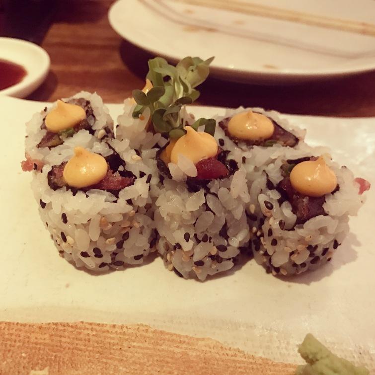 Spicy tuna sushi roll Zuma Rome