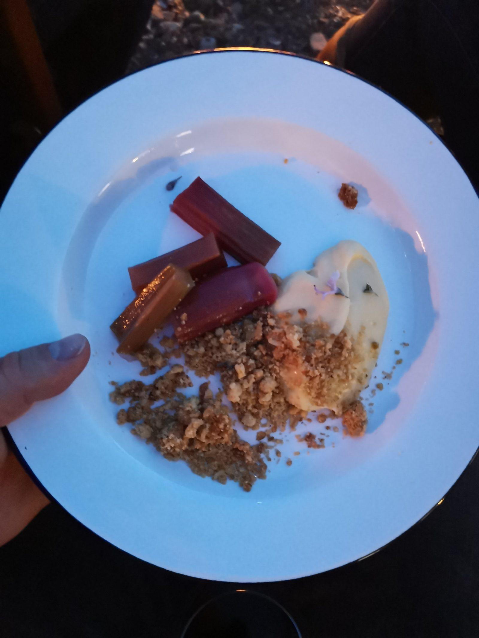 Roasted rhubarb crumble and custard at Tide, Halen Mon